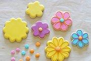 Cookie Decorating at Alwan Salma