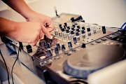 Feel the Beat at Amethyste Lounge