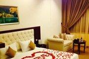 Valentine's Special: Dine, Wine & Club Room at Midtown Hotel