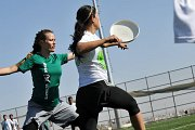 Ultimate Frisbee: the non-contact team sport, running after a disc!