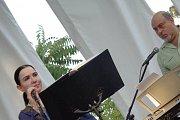 Singing Feyrouziat with Live Duo Leyla & Rafic