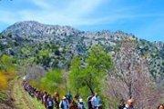 Hiking From Tannourine to Balaa Sinkhole